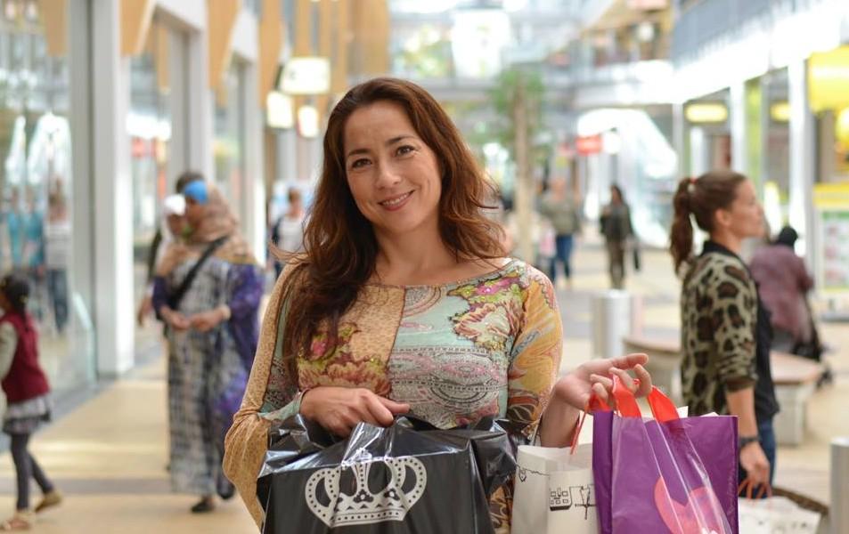Dfs banken opent winkel in megastores propertynl for Banken winkel